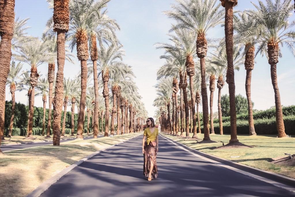 Blogger Mary Krosnjar sharing fall fashion for warmer temps