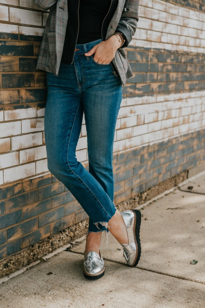 Blogger Mary Krosnjar wearing Naturalizer Silver Oxford and Madewell cali Demi Boot