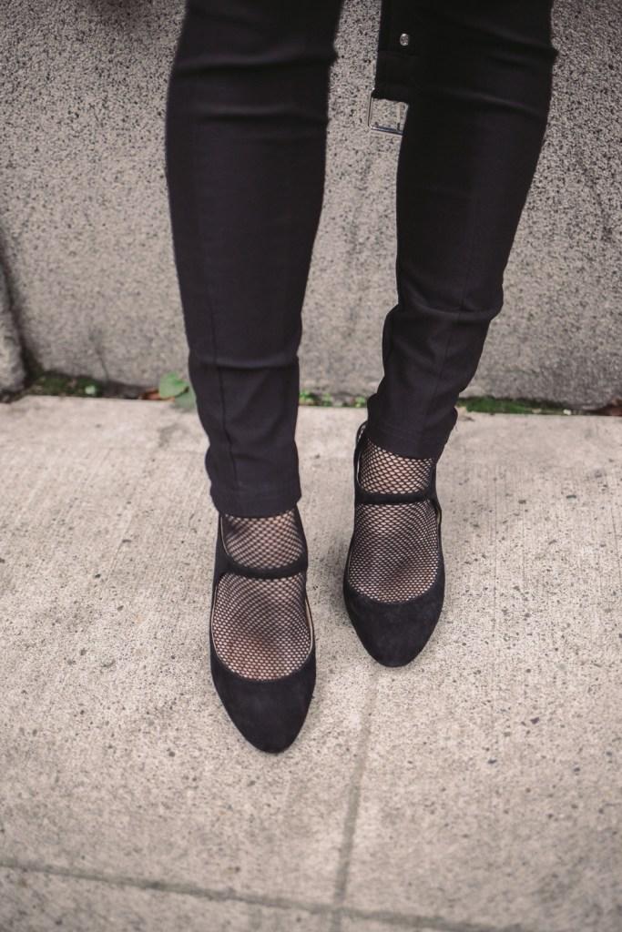 Blogger Sportsanista wearing Shein Embellished Skinny Pants and Fish Net Socks