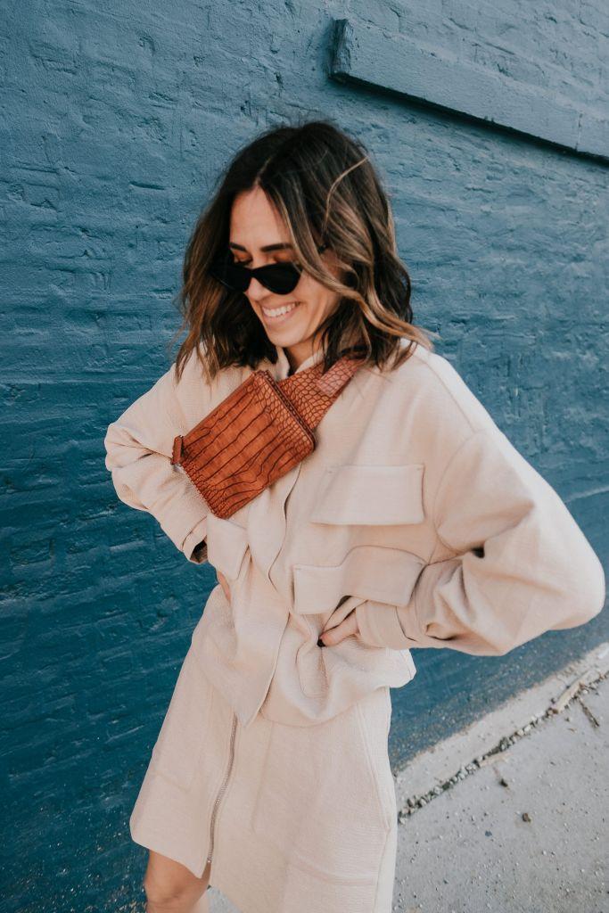 Seattle Fashion Blogger H&M Grained Belt Bag and H&M Oversized Utility Jacket