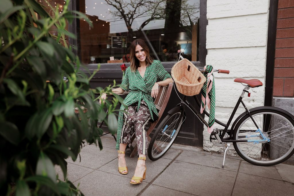 Seattle Fashion Blogger Sportsanista wearing Scotch and Soda printed dress and Scotch and Soda printed silk pants