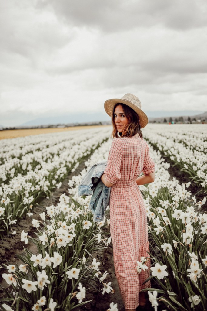 Seattle Fashion Blogger Sportsanista wearing Faithfull The Brand Maple Midi Dress and Sole Society Straw Hat