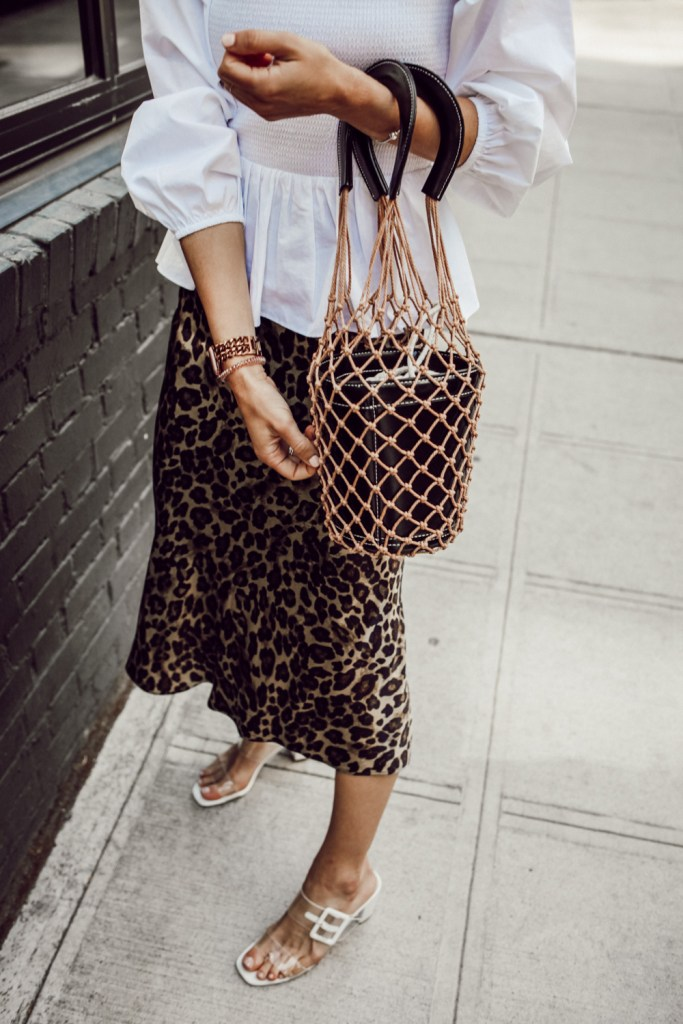 Seattle Fashion Blogger Sportsanista wearing Leopard Satin Skirt and Nets Bucket Handbags Straw Tote Bag