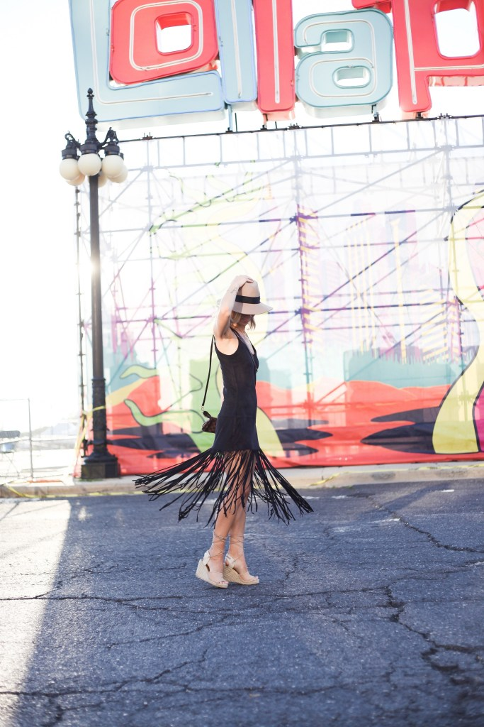 Seattle Fashion Blogger sharing what to wear to Lollapalooza