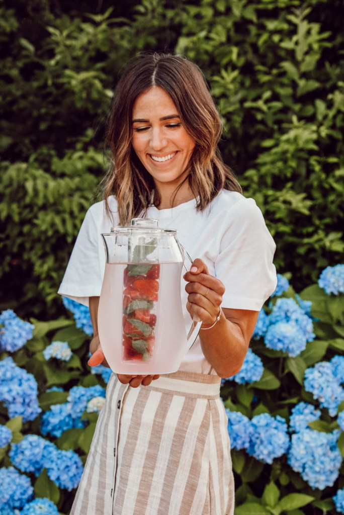 How to make Strawberry and mint infused water
