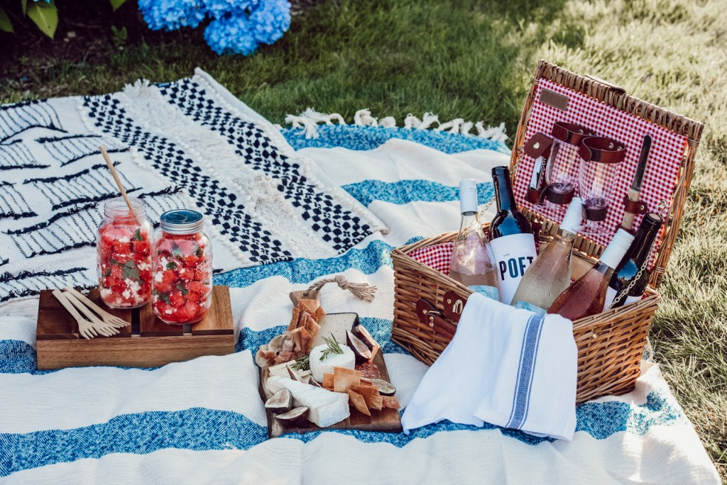 How to create the perfect summer picnic with wine, cheese board and watermelon salad recipe!
