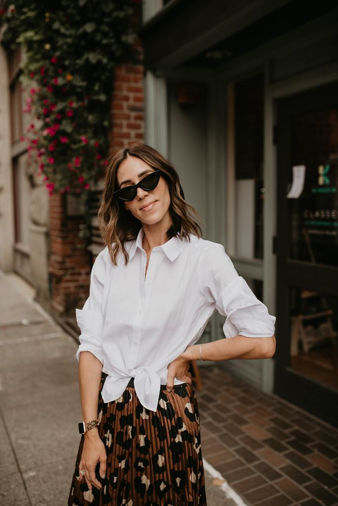 Seattle Blogger Sportsanista wearing White Collared Blouse in workwear inspired look