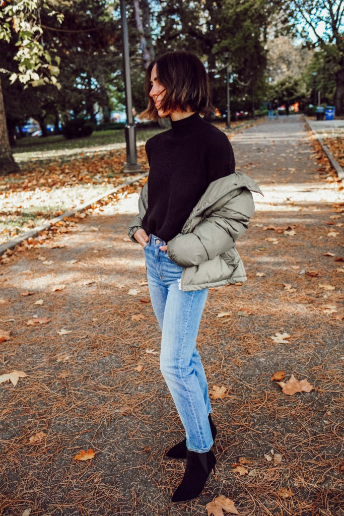 Seattle Blogger wearing The Staple High Rise Jeans and Mock Neck Ribbed Sweater