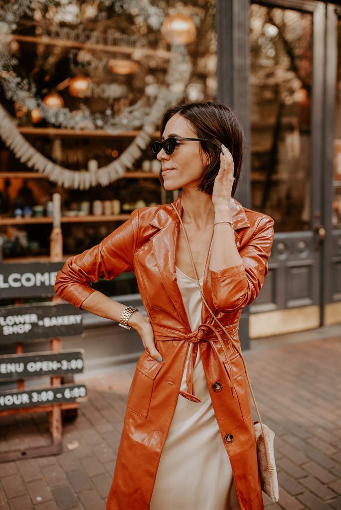 Blogger Mary Krosnjar sharing how to style a slip dress