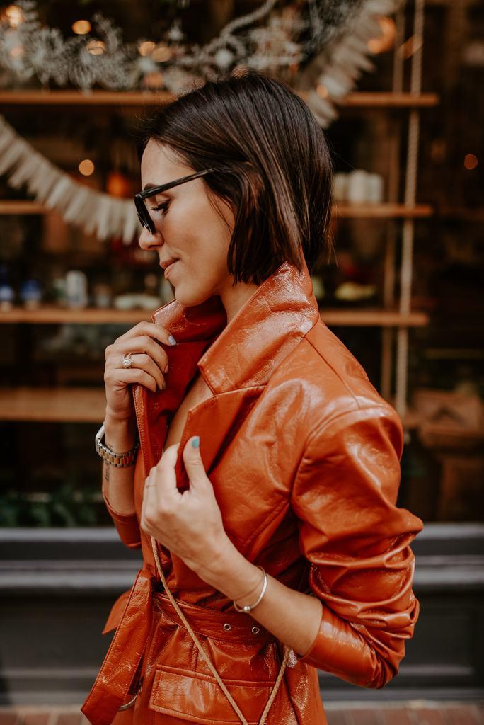 Blogger Mary Krosnjar wearing Vinyl Trench Coat for fall inspired look