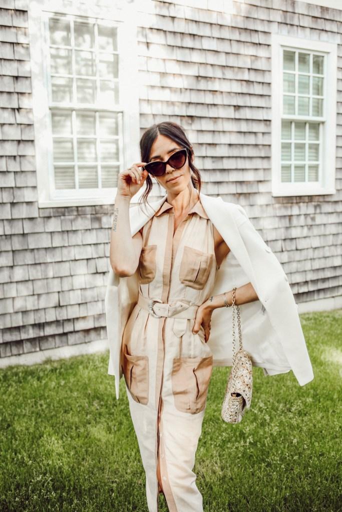 Seattle Blogger Mary Krosnjar wearing utility midi dress and Le Specs cat eye sunglasses