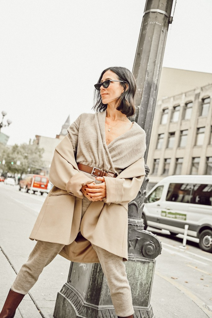 Blogger Mary Krosnjar wearing wrap collar jumpsuit and The frankie shop bea boxy blazer for fall style