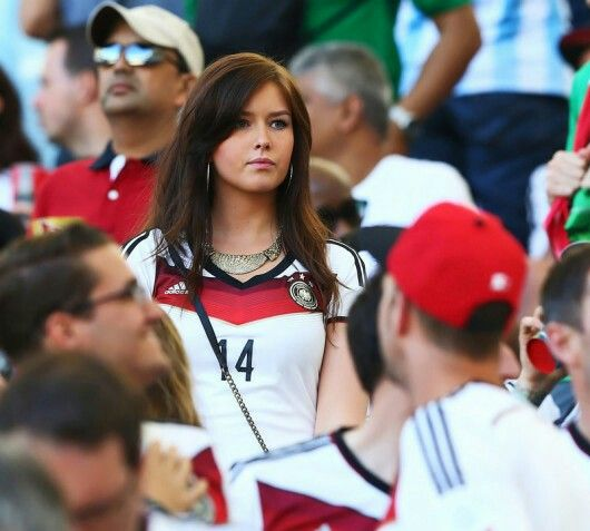 Lena (GF of Julian Draxler) - Hottest WAG
