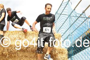 sportsbirne Mission Mudder Heuhinderniss