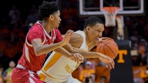 Tennessee impresses with 106-87 win over Arkansas