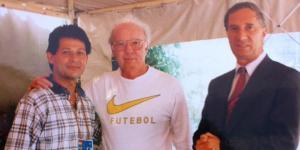 Con Mario Lobo Zagallo y Carlos Salvador Bilardo.