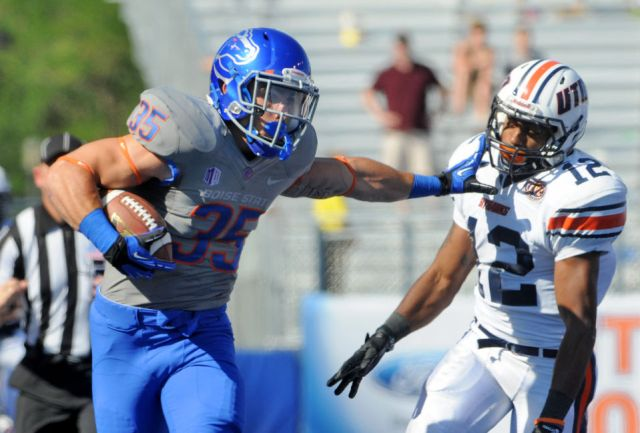 Running back Charles Bertoli against Tennessee-Martin in 2013 (Adam Eschbach/IPT)