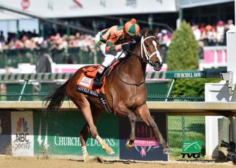 Lovely Maria winning the 2015 Kentucky Oaks