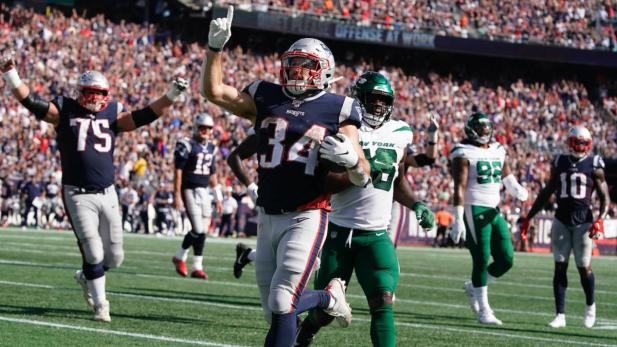 Patriots vs. Jets final score: New England once again flexes dominance on  both sides of the ball - CBSSports.com