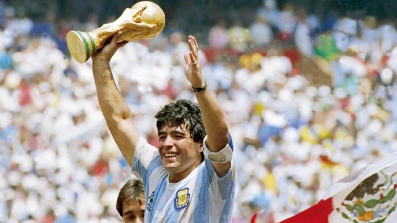 Diego Maradona, legendary Argentina superstar, global soccer icon, dies at age 60 - CBSSports.com