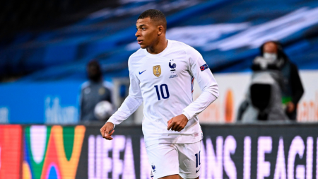 Kylian Mbappe Tests Positive For COVID-19 During Nations League Play;  Likely To Miss PSG Opener - CBSSports.com