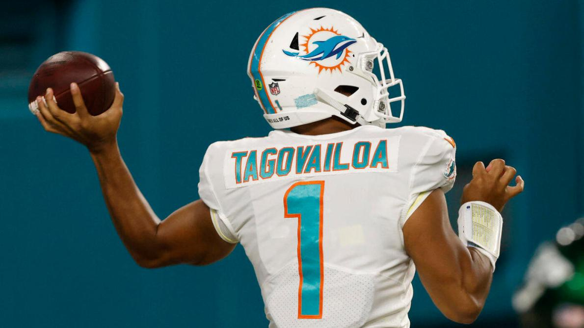 Dolphins name Tua Tagovailoa starter: Here's why Miami made the right call  to replace Ryan Fitzpatrick - CBSSports.com