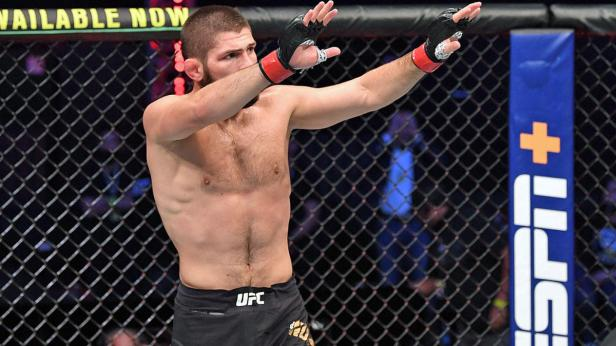Daniel Cormier: Khabib Nurmagomedov didn't want to hurt Justin Gaethje in  front of his parents at UFC 254 - CBSSports.com
