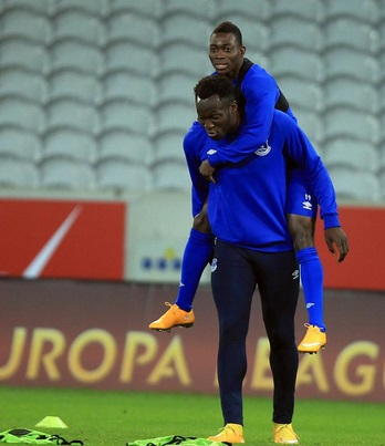 Atsu rides on back of Lukaku-during-Evertons-training-in-France