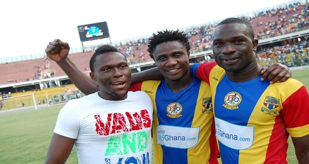 Fiamenyo and Hearts teammates