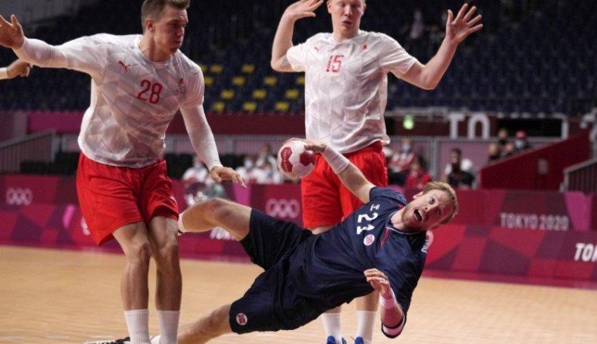 Сагосен и друштвото немоќни: Данска е новиот полуфиналист!