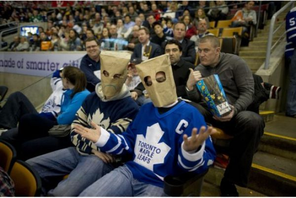 maple-leafs-fans