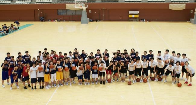 【バスケ・京都】夏休みに島津アリーナにてバスケットボール交流試合・クリニックを開催しました!