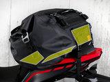 荷物の型崩れを抑えて装着の安定感を高めるPEボード「コア・ボード」。