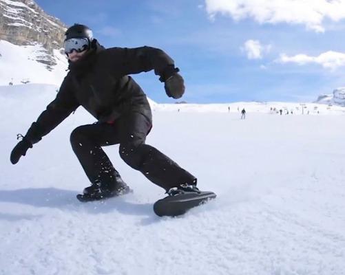 海外で人気のウィンタースポーツが初上陸! 靴のまま滑る「スノーフィート」、日本初の公式体験会を開催! 2020年1月11日、12日の二日間、白馬岩岳スノーフィールドにて