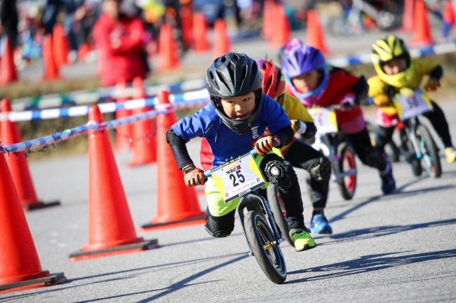 観覧無料!基礎体力を鍛える「ランバイク」日本初の全国大会に向け「第0回U6ランバイクジャパンカップ」を開催!