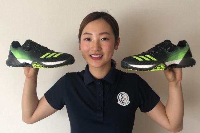 """アディダスゴルフ史上""""No.1""""フットウェア「コードカオス」が、若手注目女子プロゴルファー・松田鈴英選手の足元も支える。"""