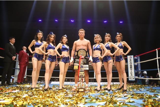 K-1初の福岡大会「K-1 WORLD GP 2020 JAPAN」で九州出身のK-JeeがTKO勝利で王者に!「ドゲンジャーズ」も登場し、ファイター顔負けのファイトで会場を盛り上げる!