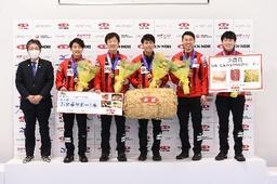 「第38回全農日本カーリング選手権大会」男子は「コンサドーレ」、女子は「北海道銀行」が優勝
