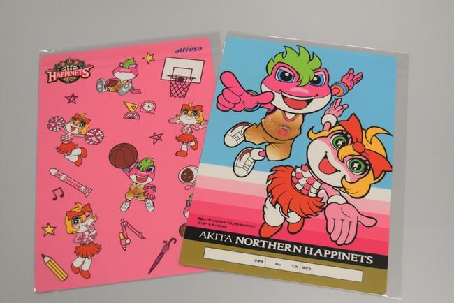 秋田ノーザンハピネッツのマスコットキャラクター ビッキーとラーナちゃんのオリジナル下敷き