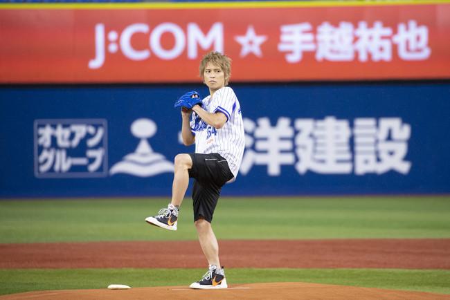 手越祐也さんが人生初の始球式に挑戦!初マウンドは「神聖な雰囲気がありました」