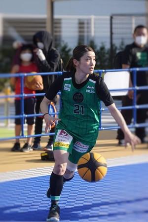 現役3x3バスケットボールプレイヤー有明葵衣が、5人制女子バスケ国内トップリーグ「Wリーグ」の理事に就任!