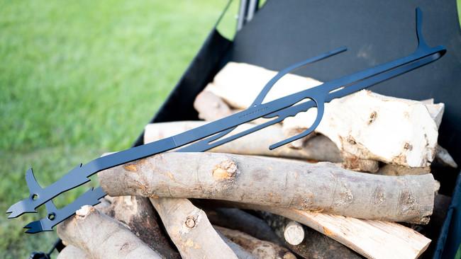 FIREGRAPHIXから薪を操り、火を育てる薪トング「BEAKS」が誕生!