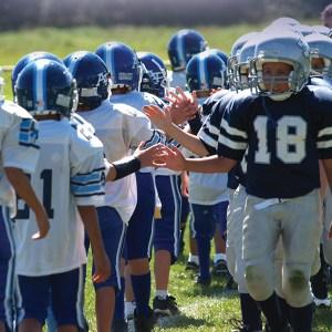football-handshake_600x600