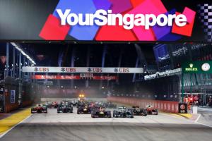 German Sebastian Vettel won title of Singapore GP 2015