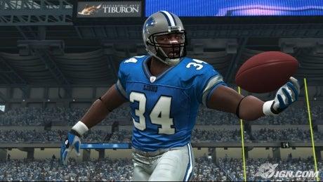 Madden NFL com a bola toda