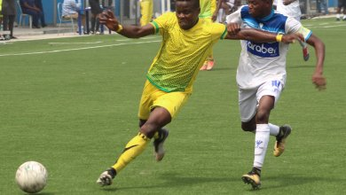 Photo of Shameful: What Oyo State Commissioner of Sports wore to Shooting-Insurance match will leave you speechless