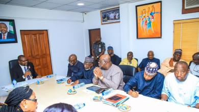 Photo of NFF commends Minister, submits report on teams' outings