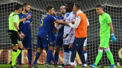 Photo of Balotelli threatens to walk off after racist abuse by Hellas Verona fans