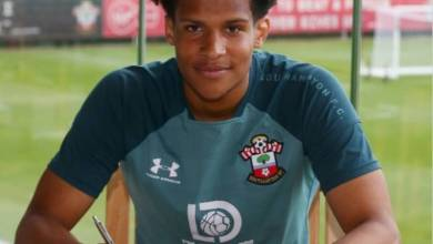 Photo of Oludare Olufenwa signs new two-year contrat with Southampton