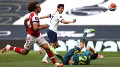 Photo of Watch as David Luiz blunder gifts Son a goal in Arsenal 2-1 loss to Tottenham